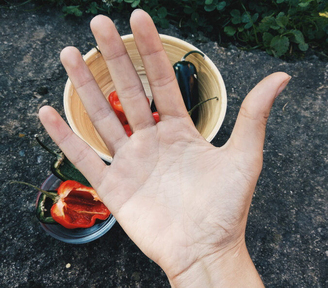 Hands burning after cutting hot peppers